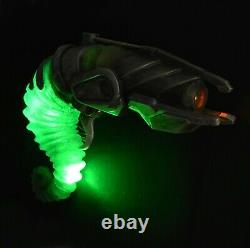 Doctor Who Human Nature (2007) Production Used'Hero' Light Up Alien Prop