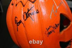 Halloween III Silver Shamrock AUTOGRAPHED Mask with Stand and JSA COA