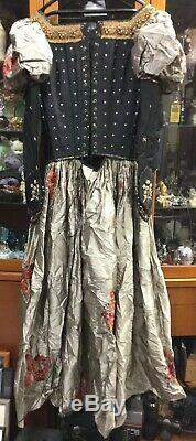 Legend Of The Seeker S2E13 Zedd's Screen Used Movie Prop Aunt Costume withCoA