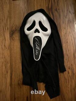 Neve Campbell Signed Licensed Costume/Prop Mask. Scream. Sidney. Beckett COA