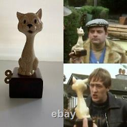 Only Fools And Horses Prop (Replica) A Touch Of Glass Cat Music Box