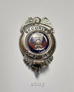 Scream (1996) original movie prop Officer badge w COA