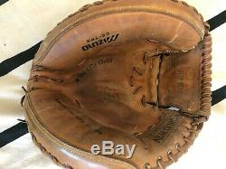 The real catchers mitt TOM BERENGER used in the movie MAJOR LEAGUE 2