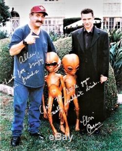 Very Rare Vintage Original X-files 5 Foot Alien Prop In Case Movie Memorabilia